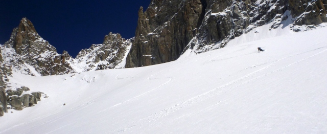 Super skiing on dreamy creamy under the Col du Tacul , a just reward after a stressful morning.